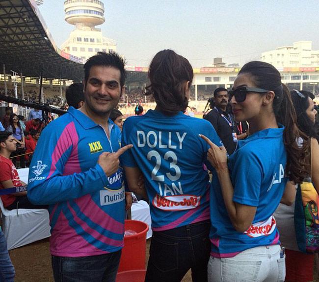 Sonam Kapoor promotes Dolly ki Doli during Celebrity Cricket League